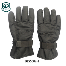 Excellent dexterity, solid weather resistance, easy to put on even when our hands were wet ski gloves hot sale
