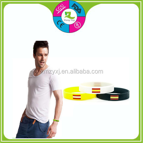 Alibaba gold member custom Eco friendly custom silicone wristbands small bracElet