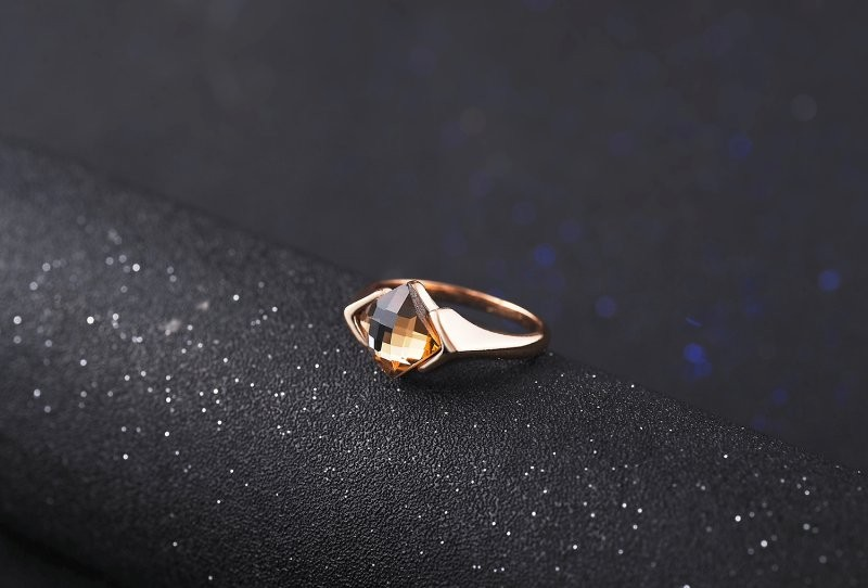 Latest Austria wedding single crystal stone inlay densign ladies jewelry rings