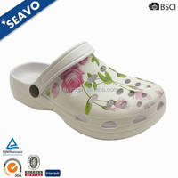 SEAVO 2016 cheap sexy leaves print upper design white brazil nude gardening clogs for women