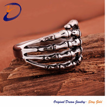 The fashion hand shaped ring finger rings photos