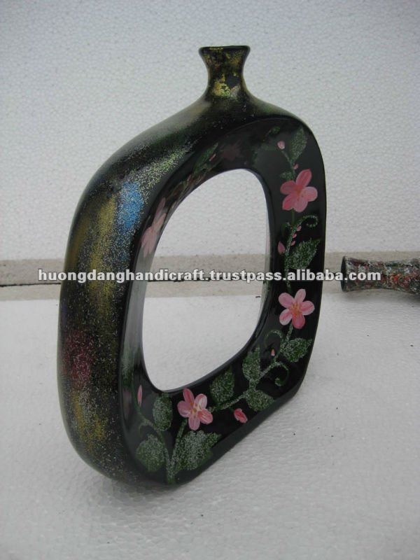 Lacquer Ceramic Vase with Pattern