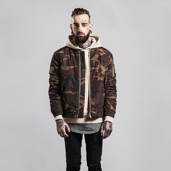 Fashion Man Bomber Jacket Wholesale Trendy Rib Collar Elastic Sleeve Orange Contrast Lining Quilted Camo Men Jackets Winter