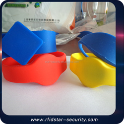 RFID Smart Hand Bracelet Silicone Rubber Wristband with Holes