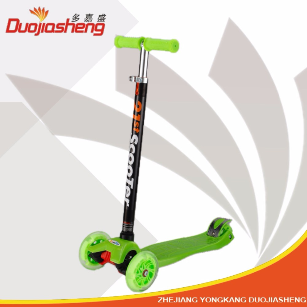 Hot sale Kick Scooter PU Flash 3 wheel scooter
