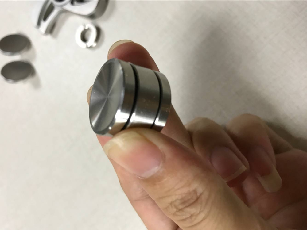 Sturdy and durable stainless bearing adaptor removal tool for spinners