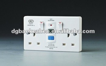 0230SPW RCD wall socket with switch