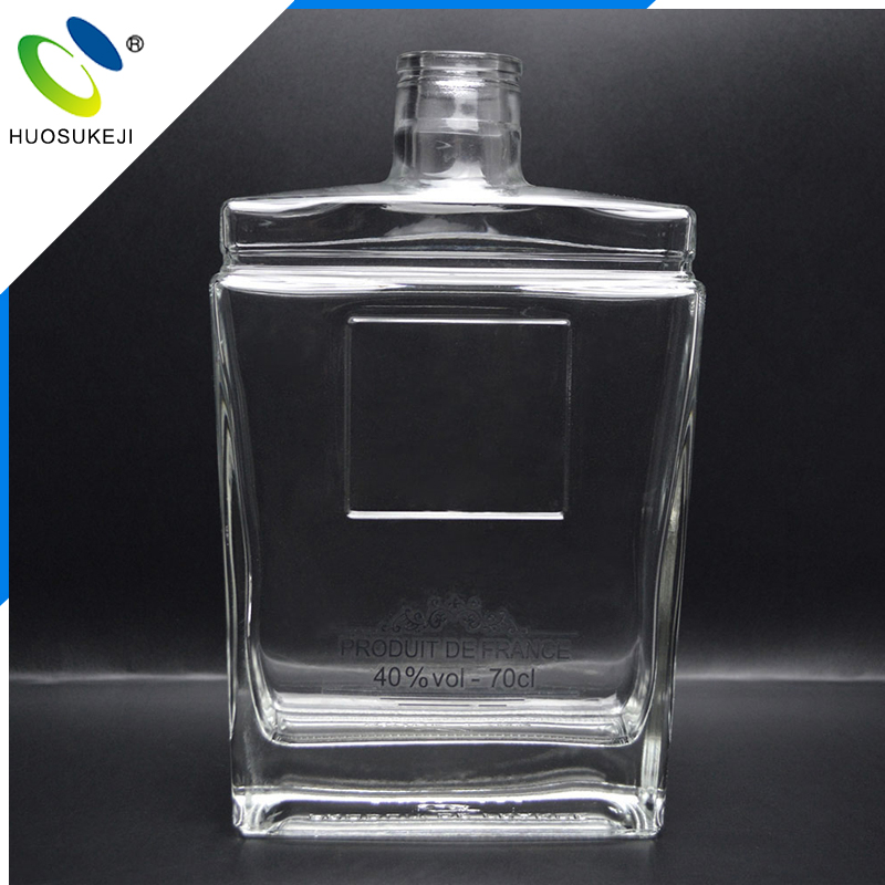 Wholesale 70cl square flat corked wine whisky glass bottle