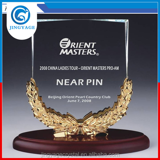 Jingyage customized k9 crystal trophy plaques with wood base outstanding tours crystal awards