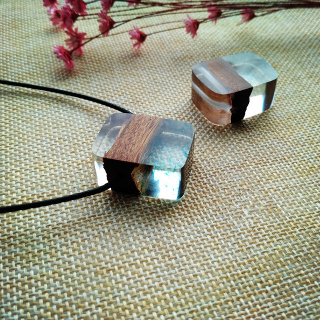 2017 YIWU Resin Wooden Pendant Natural New Handmade Resin Necklace Fashion Jewelry resin pendent necklace
