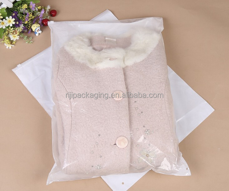 China produce high quality PE small clear plastic shopping bag with zipper packaging bag