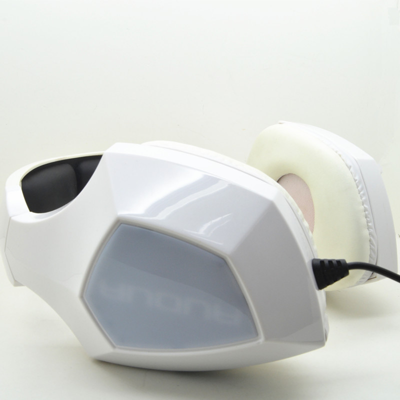 New private gaming headphone with vibration-switch from Dongguan BSCI manufacturer with more than 19 years experience