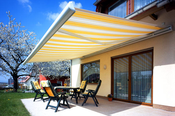 Retractable awning price