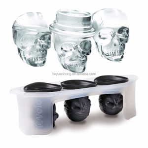 Latest design 3sets different skull silicone skull ice mold with stand