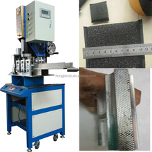 Ultrasonic welding machine for automatic welding and cutting sponge clean with titanium horn