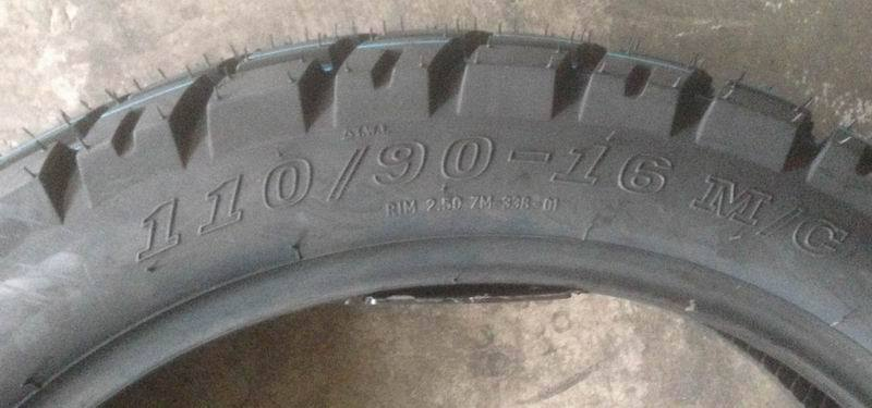 tubeless motorcycle tire 110/90-17 with off-road pattern