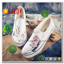 Comfortable flat walking shoes hand painted woven shoes