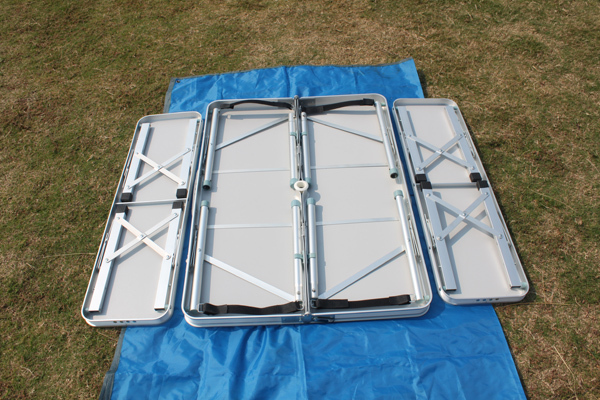 2 Sections (0.9m 3') Aluminum Folding Table With Two Folding Stools