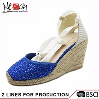 China Outdoor fashionable Stock Handmade Blue Flossy Shoe