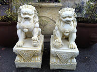 Factory direct sale Chinese Fengshui style home decorative stone crafts antique foo dogs