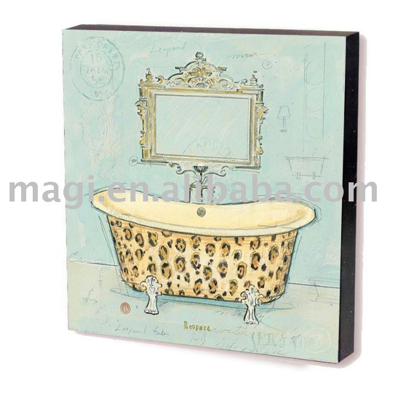 Classic Bathtub with Mirror Wall Plaque