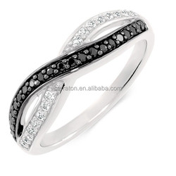 factory wholesale trendy jewelry black and white zircon crossover band ring