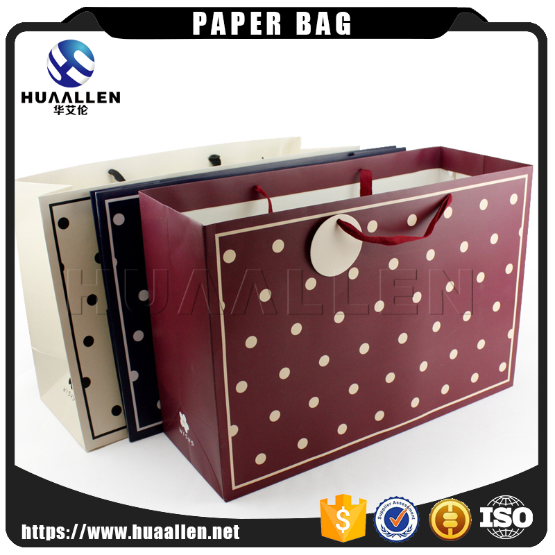 Custom made excellent new style paper shopping bag and clothing packaging bag