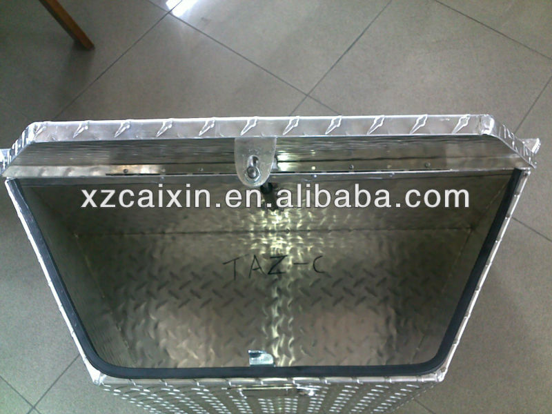 Aluminium truck tool Box, with Checkered Plate raw material