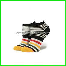 Women combed cotton colored knitting pattern ankle socks
