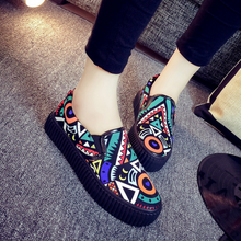 DL20060B 2017 wholesale china shoes women slip-on printed canvas shoes