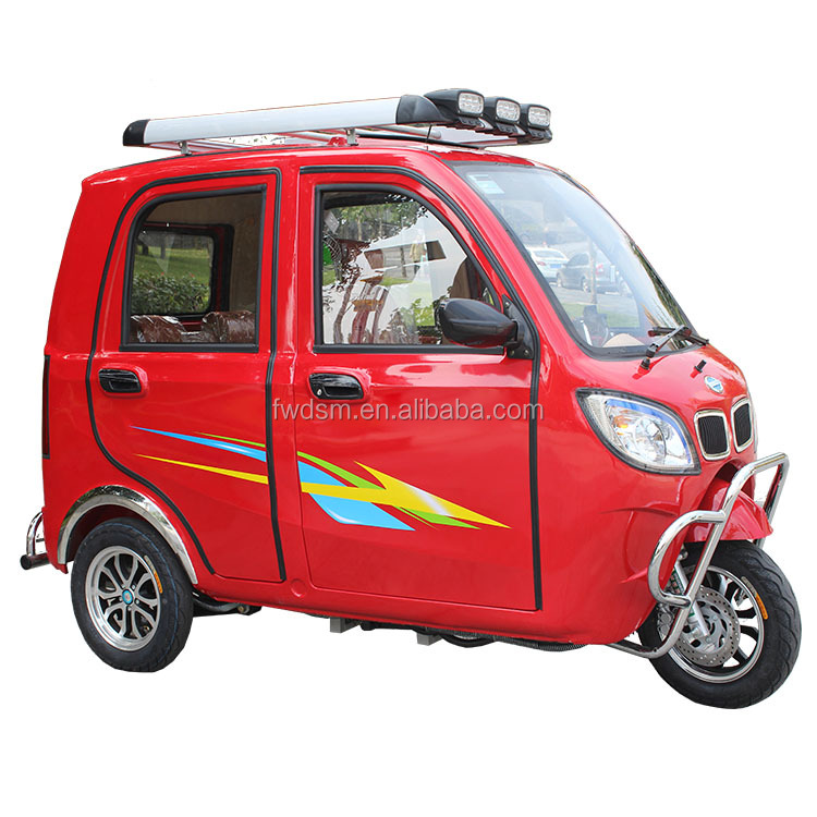 Fully enclosed 3 wheel electric car for wheelchair user