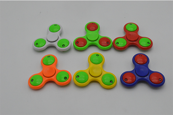 New style Kids/Adult play gyro toy finger spinning top for wholesale