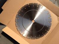 Diamond tipped concrete saw blades for cutting
