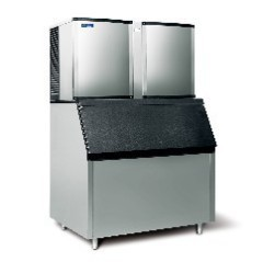 Self-Contained Cube Ice Machine for Small Spaces