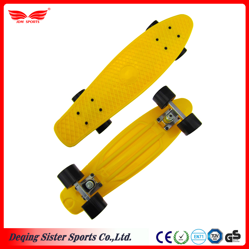 "Classic design 22"" customized color skateboard plastic cruiser"