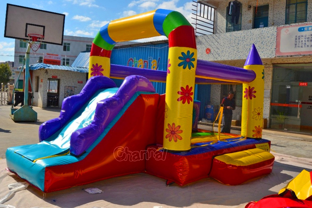 Commercial inflatable bouncer combo bounce castle with slide