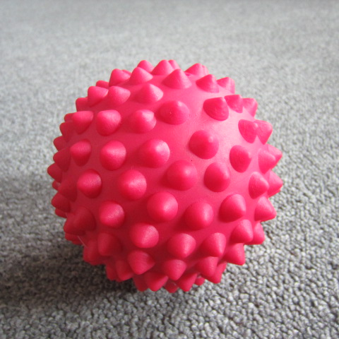 2014 New 9CM Foot Spiky Small Rubber Massage Ball