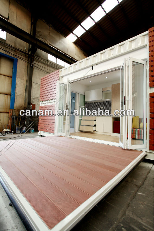 CANAM- modified container hosue with glass door