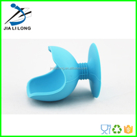 Useful heat resistant egg holder plastic chicken egg boiler