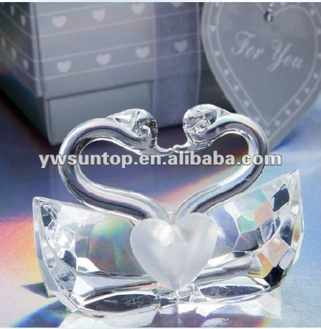 Choice Crystal Collection Kissing Swans for Wedding Gifts