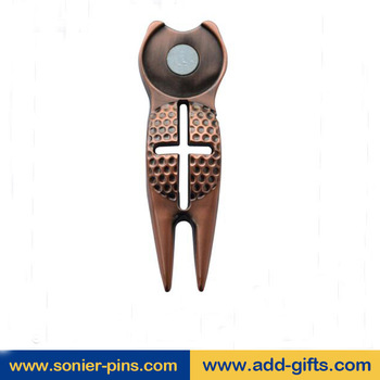 custom antique metal golf divot tool with 3D and cut out