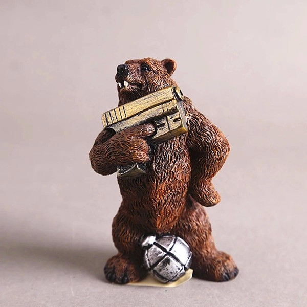 Custom resin wholesale figurine gun bear statues