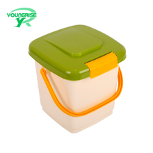 Wholesale plastic cat dog food storage bucket pet food container factory