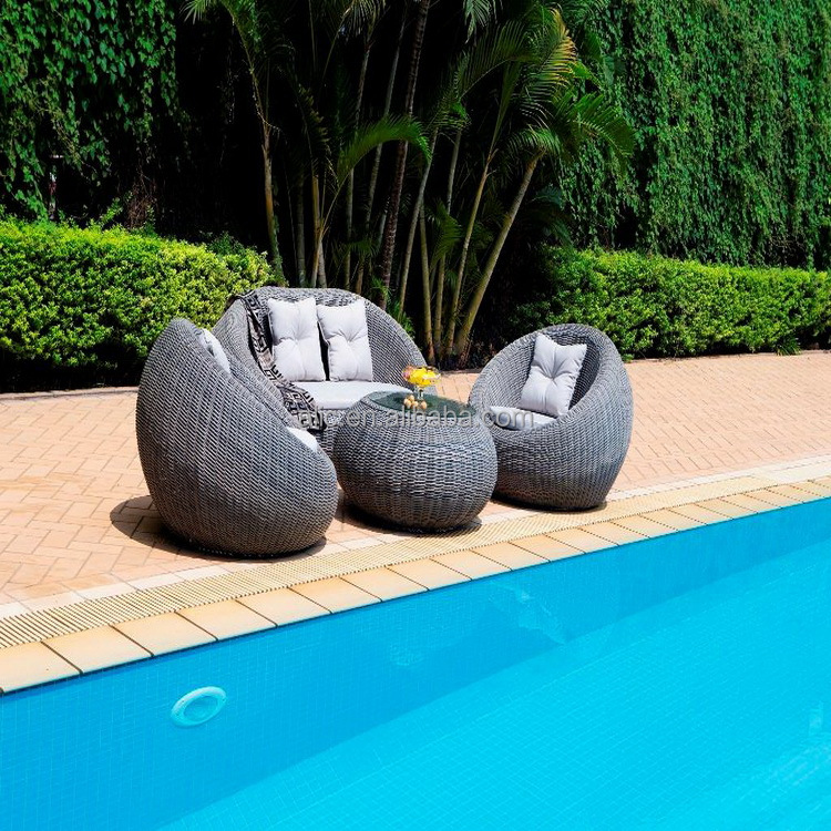 New Funky Outdoor Lounge wicker outdoor furniture set Rattan sofa chair & Table