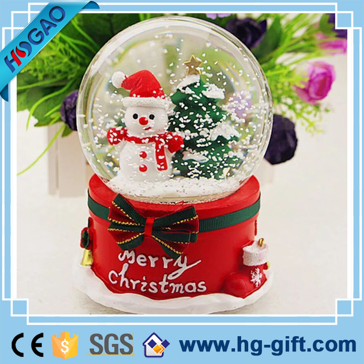 Beautiful gift box bottom resin/polyresin custom snow water glass globe kit christmas decor