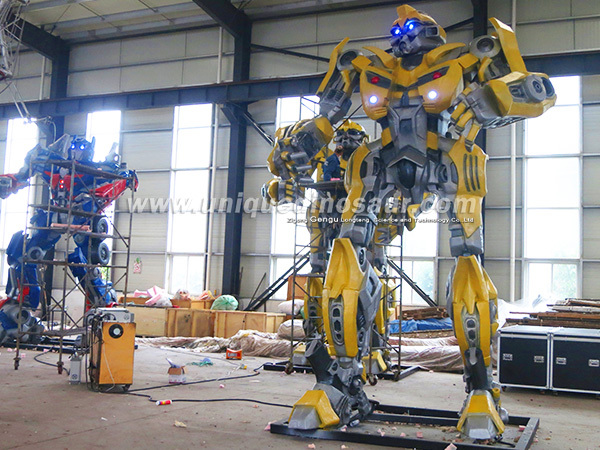 Life Size Mechanical Toy Robot - 168.1KB