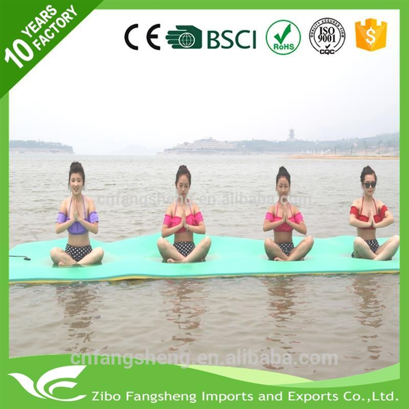 2017 Hot selling water float foldable yoga swimming pool floor mat with low price