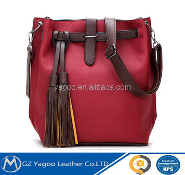 European style vintage waterproof leather messenger bag from China