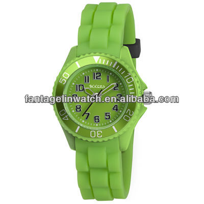 Green Silicone Unisex Gel Analog Wrist Watch Men Women Kids Children