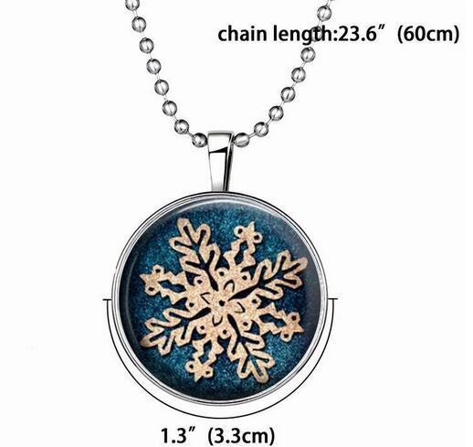 Snowflake Glow in the Dark Necklace Pendant Gift snow Christmas Luminous Chain Necklace